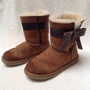 UGG Josette Chestnut Bow Boots Size 6